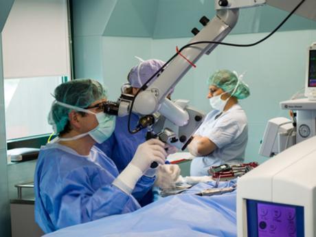 Навигационна система при операция на средното ухо