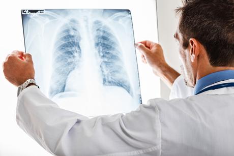 Откриват пневмониа с един дъх